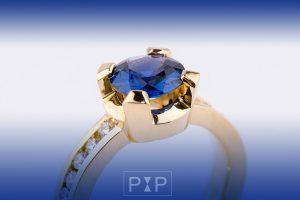 New Collection combi saffier diamanten ring close up
